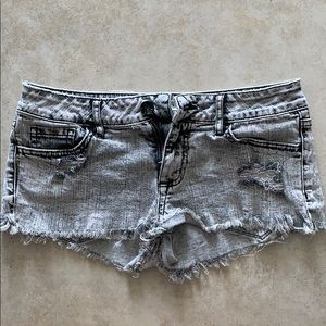 Bullhead Black Acid Wash denim shorts size 3